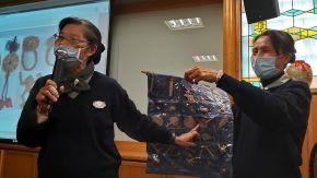 台中港區團隊帶來深具人文法義的藺草編織故事:來自沙鹿的慈璘師姊與梧棲的雪芬師姊,兩人一組搭配分享「藺草作品傳法脈」