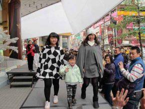 桃園民眾參與環保服飾展示